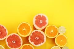 Цитрусовые фрукты с апельсином, лимоном, грейпфрутом и известкой Стоковые Изображения