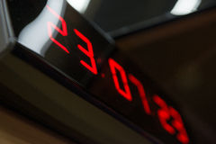 Цифровые часы на стене Стоковое фото RF