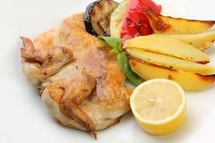 цыпленок гарнирует зажжено стоковое фото rf