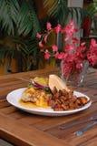 цыпленок жарит помадку сандвича картошки пряную Стоковое Фото