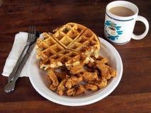 Цыпленок и waffles Стоковые Фотографии RF