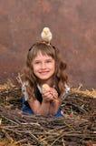 Цыпленоки в гнезде хворостин Стоковое Фото