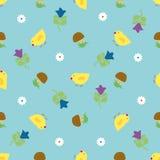 Цыпленоки среди травы и грибов Стоковые Изображения RF