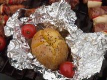 цыпленок зажарил салат ноги fries Стоковое Изображение RF