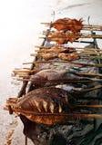 цыпленок зажарил салат ноги fries Стоковое Изображение