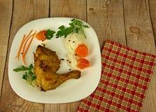цыпленок зажарил салат ноги fries Стоковое фото RF