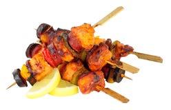 Цыпленок и пряный Chorizo Kebabs Стоковая Фотография RF
