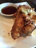 Цыпленок и waffles Стоковое Фото