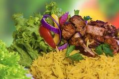 цыпленок над рисом стоковые изображения rf