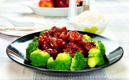 Цыпленок общего tso китайской еды (цыпленок генерала Chang) Стоковое Фото