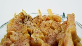 Цыпленок питает с треснутым перцем Стоковые Изображения RF