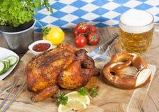 Цыпленок с пивом стоковые изображения