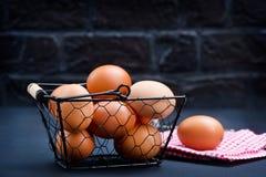 цыпленок eggs сырцовое Стоковые Изображения RF