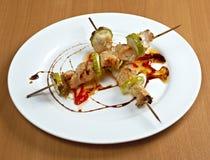 Цыпленок Shashlik делая зажаренный в духовке Стоковое Изображение