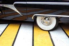Чайка Chaika - роскошный старый автомобиль времен Советского Союза Стоковые Изображения RF
