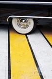 Чайка Chaika - роскошный старый автомобиль времен Советского Союза Стоковая Фотография