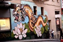 Чайна-таун, Сан-Франциско, Калифорния, США Настенная роспись дракона тигра Стоковая Фотография RF