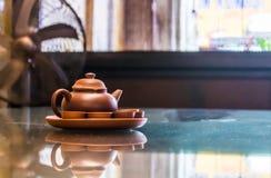 Чайник глины устанавливает стоковые фотографии rf