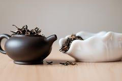 Чайник и коробка чая Стоковое Фото