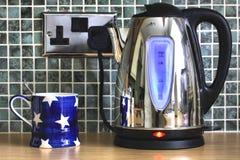 чайник чашки электрический Стоковая Фотография RF