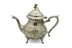 Чайник Orientalic с орлом на верхней части на белой предпосылке Стоковые Фото