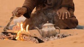 Чай в пустыне, конце вверх видеоматериал