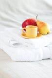 чай груши чашки яблока Стоковое Фото