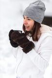 Чай женщины выпивая от thermos Стоковое Изображение RF