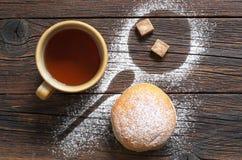 Чай и донут Стоковые Фото