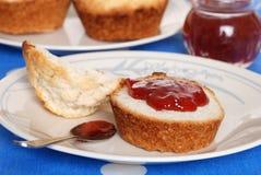 чай клубники варенья печенья Стоковая Фотография RF