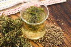 Чай конопли травяной стоковые изображения rf