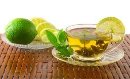 чай мяты известки лимона чашки зеленый Стоковое Изображение