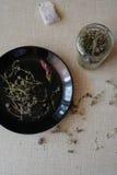 Чай на кухонном столе Стоковое Изображение RF