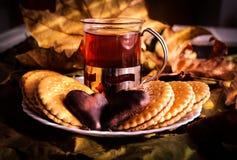 Чай осени с влюбленностью стоковая фотография