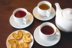 Чай плодоовощ в белых чашках Стоковые Фотографии RF
