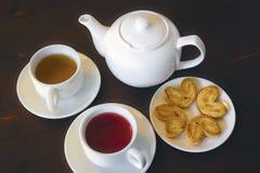 Чай плодоовощ в белых чашках Стоковая Фотография