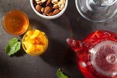 Чай приправленный ягодой Стоковое фото RF