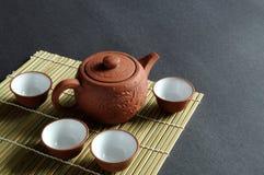 чай старого бака глины установленный Стоковая Фотография RF