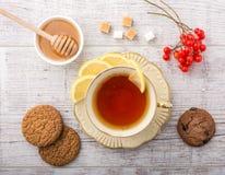 чай с взгляд сверху лимона стоковые фотографии rf