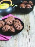 Чай с домодельными печеньями Стоковые Фото