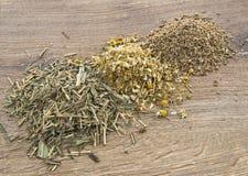 Чай травы смешивания Стоковые Фотографии RF