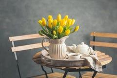 Чай утра на таблице Стоковое Фото