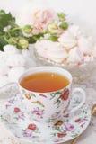 Чай утра с помадками Стоковое Фото