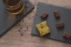 Чай утра с шоколадом Стоковое Изображение