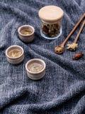 Чай хризантемы, чай цветка - китайский традиционный травяной чай m Стоковое Фото