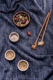 Чай хризантемы, чай цветка - китайский традиционный травяной чай m Стоковые Изображения RF