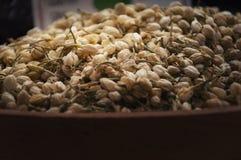 Чай цветка жасмина, сухая трава стоковые фото