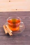 Чай, eclairs и циннамон Стоковые Фото