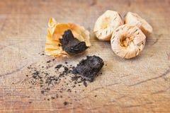 Чай Puer на деревянной таблице Стоковые Изображения