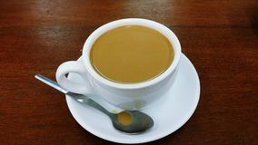 Чай Yin yang известный в Гонконге стоковое фото